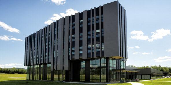 ARCHITECTE INSTITUT INTERDISCIPLINAIRE D'INNOVATION TECHNOLOGIQUE 3it - UNIVERSITÉ DE SHERBROOKE